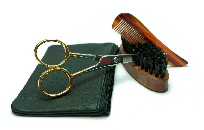 Golddachs, »Bartpflegeset«, aus feinem Rindleder mit Reißverschluß (4-tlg.)